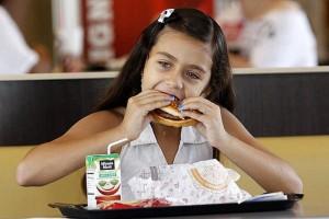 burgerking-suriye-cocuk-ozanilginoglu-com (3)